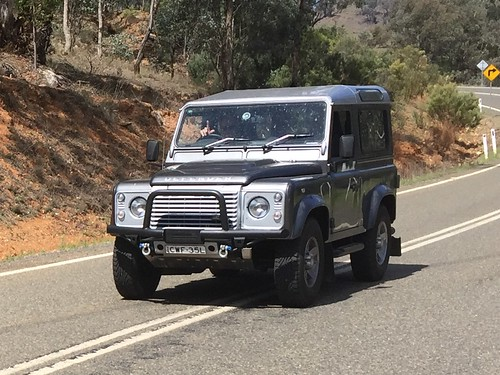 LAND ROVER SWB at Abercrombie River.