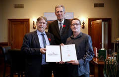 MANITOBA: Award recipient/lauréat Christian Haines with/avec Premier/premier ministre Brian Pallister and/et the Honorable/l'honorable Ian Wishart, Minister of Education and Training /ministre de l'éducation et de la formation