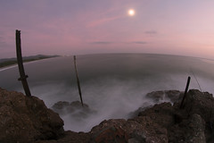 #178 (mariopolicorsi) Tags: mariopolicorsi canon eos 700d fisheye samyang 8mm lungaesposizione longeexposure mare sea maremma toscana tuscany italia italy grosseto europa europe tramonto sunset luna moon october ottobre autunno autumn simplysuperb waterscapes water rocchette photoshop scogli rock