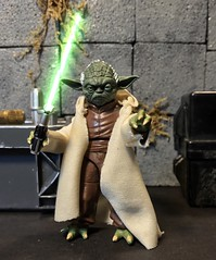 Master Yoda ready for battle (chevy2who) Tags: inch six figures action custom starwarsblackseriescustom series black jedi master yoda toyphotography toy wars star