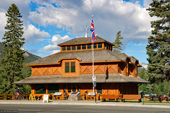 Banff Park Museum (Can Pac Swire) Tags: banff alberta canada canadian city national park museum nationalhistoricsite 2017aimg0218 wood log house building architecture