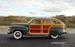 1942 Chrysler Town & Country Wood-Bodied Station Wagon (JCarnutz) Tags: 124scale diecast danburymint 1942 chrysler towncountry