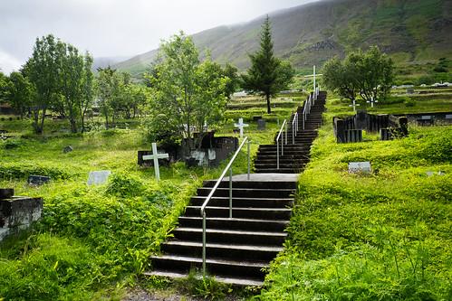 "Gamli kirkjugarðurinn • <a style=""font-size:0.8em;"" href=""http://www.flickr.com/photos/22350928@N02/26271103549/"" target=""_blank"">View on Flickr</a>"