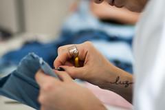 COMAS gleicebueno-8951 (gleicebueno) Tags: upcycling reciclagem textil artesanal handmade autoral comas manual mercadomanual redemanual augustinacomas moda fashion slowfashion hands mãos