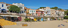 Calella de Palafrugell 2 (Meino NL) Tags: calelladepalafrugell costabrava españa espagne catalunya catalonië spain spanje middellandsezee mediterranean sea beach zonnewijzer sundial