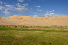 Khongoryn Els, Mongolia - Singing Sands (GlobeTrotter 2000) Tags: dalanzadgad els khongoryn khongorynels asia camel desert dunes gobi holidays mongolia nature sand travel ãvã¶rkhangai