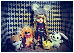 💀☠️👻waiting ror halloween👻☠️💀 (ninimoon =^x^=) Tags: blythe custom oaak doll halloween monsters