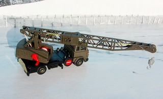 Dinky Toys Model No. 970 Jones Fleetmaster Cantilever Crane 1973 Restoration And Conversion To Military Style : Diorama Winter Scenery - 3 Of 36