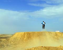 Prohibido el paso (alfonsocarlospalencia) Tags: salto nubes prohibido el paso motocross segovia circuito azul polvo riesgo moto túmulo esfuerzo peligro deporte tierra