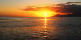 Sunset de printemps sur Moorea depuis Tahiti