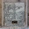 Elemosina (Renato Morselli) Tags: tempofugit tempo 1694 disegno marmo marble chiesa 2017 lazio rome roma cadavere morte morte💀 scheletro lapide elemosina