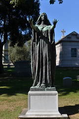 Arms Outstretched (Eddie C3) Tags: woodlawncemetery bronx sculpture bronxnewyork