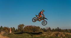 Vollgas ins Wochenende (1) (achim-51) Tags: zweirad himmel blau motorrad motocross landschaft baum gras gelände panasonic lumix germany dmcg5 sport motorsport nrw de