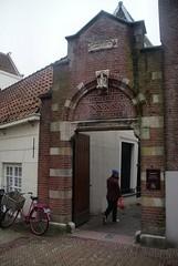 Gate into the Begijnhof (Nick WB Dawson) Tags: holland netherlands nederland begijnhof hofje almshouses gate saint bycle bicycle amsterdam
