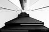 Potz Blitz (mimo b. rokket) Tags: treppe stairs monochrome monochrom bw blackandwhite schwarzweis sw porschemuseum stuttgart deutschland germany abstractarchitecture abstraktearchitektur modernarchitecture modernearchitektur formen forms linien lines geometrie geometry symmetry symmetrie canonefs1018mmf4556isstm wideangle weitwinkel