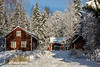 Abandoned House (Timo Halonen) Tags: lumi abandoned autiotalo talvi punamulta nikon dx d5200