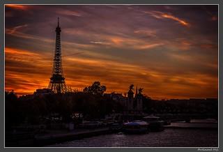 Paris_Pont Alexandre III_Tour Eiffel_7e Arrondissement