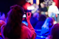 Tussen Kunst & Glitch 2017 (Sebastiaan ter Burg) Tags: kunst glitch art media netart kitsch talkshow programma nff setup nederlands film festival neude utrecht panel experts new online gaming digital born artist artists kunstenaar show host podium stage theater installatie installation video interactive