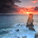El tótem de roca acariciado por el sol