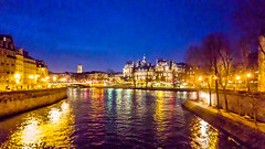 Paris (Kevin R Thornton) Tags: seine galaxy 2017 s6 paris city samsung night france phone îledefrance fr