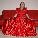 Stunning dress, stunning girl thumbnail