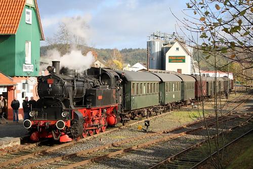 HC: Dampflok HC 206 mit dem Hessencourrier im Bahnhof Naumburg (Bz. Kassel)
