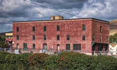 Missoula Mercantile Co. (Pete Zarria) Tags: montana fruit vegetable drugs wholesale grocery ghost sign red brick