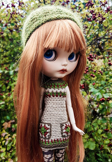I made wooly dresses for my girls. 😊💛��� #blythe #customblythe #blythecustom #doll #customdoll #dollclothes #crochetdollclothes #crochet #grannysquare