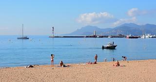 Cannes / La plage de la Croisette en octobre