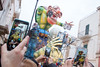 . ([ changó ]) Tags: carnevale putignano wwwriccardoromanocom carnival carro phone smartphone telefono hand mano mani puglia carnivalride selfie