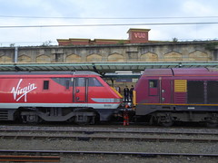 67007 and 91131 at Carlisle (The Jamster - Trains and Trams) Tags: class67 diesellocomotive class91 electriclocomotive railway train