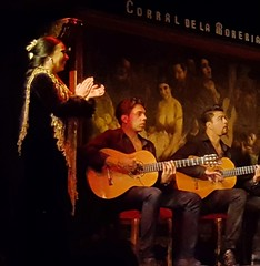 Flamenco music at Corral de la Moreria, Madrid (Randy Durrum) Tags: madrid moreria corral flamenco guitar guitars clap durrum s6 samsung