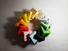Penultimate Cube Ring (Víctor Martínez (Origamitor)) Tags: origami modular penultimate cube ring papiroflexia 3d cubos anillo torus