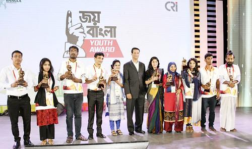 21-10-17-PM ICT Advisor Sajeeb Wazed Joy_Joy Bangla Youth Award-3