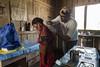 Programa de Erradicação da Oncocercose nas Américas - Terras Yanomami (Secretaria Especial de Saúde Indígena (Sesai)) Tags: outubro 2017 oncocercose erradicação dseiyanomami indígenas biopsiadapele mulher pólobasesurucucu yanomami roraima adorno