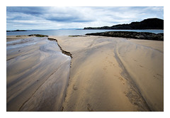 lifelines (stefanito 01) Tags: colonsay strand kiloranbay balnahard beach lifelines scotland isleofcolonsay hebrides landscape shore sand structures sonya6300 samyang12mm atlantic sea sky bay water atlanticocean stream