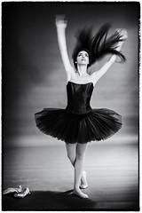 A passion ballet (Photomar_65) Tags: modella ballerina ritratto danzaclassica tutù milano fashion glamour sonyalpha zeiss bn bw monochrome monocromatico mono bianco nero ilfordhp5 portrait dancer blackandwhite