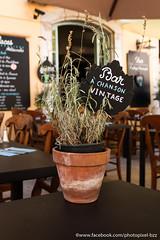 Alentour de Grasse (David-photopixel-bzz) Tags: extérieur lumière décoration bar pot fleur paca cote d azur 06 grasse
