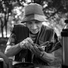 pot smoker (Jerome Olivier) Tags: parc marihuana smoker drugs