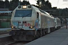 333+251 (firedmanager) Tags: renfe renfeoperadora railtransport renfemercancías tren train trena ferrocarril freighttrain locomotora locomotive emd alstomprima mitsubishi 251
