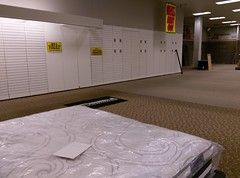 Stray Kenmore mat, and mattress-box spring set (l_dawg2000) Tags: 2017closing 60s apparel appliances ar arkansas bedding closing clothing craftsman eddie fixturesale homedécor indianmall jeans jonesboro ksears labelscar liquidation mattresses sears searsholdings shc tools unitedstates usa