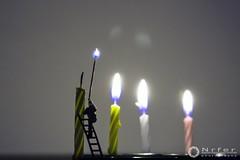 * (nrfer) Tags: miniaturas digital velas color llama escalera
