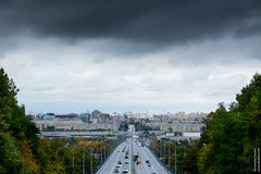 Moscow (Alexander Kozlov) Tags: 2ea7 autmn fall moscow moskva russia ru москва мск msk россия воробьевы горы road city view sky trees fujifilmxe2 horizon cars traffic clouds autumn город дорога трасса