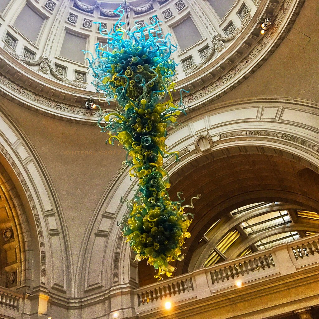 The worlds newest photos of chandelier and chihuly flickr hive mind chihuly at the victoria and albert museum winterkl tags chihuly chihulyglass sculpture chandelier arubaitofo Choice Image