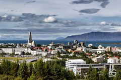The City of Reykjavik (Fabien Georget (fg photographe)) Tags: clouds sky autumn living bâtiment city houses iceland islande landscape paysage ayezloeil beautifulearth bigfave canoneos600d canon elitephotography elmundopormontera eos fabiengeorget fabien fgphotographe flickr flickrdepot flickrunited georget geotagged flickunited mordudephoto paysages perfectphotograph perfectpictures wondersofnature wonders supershot supershotaward theworldthroughmyeyes shot photography photo greatphotographer french touch monument eau waterscape reykjavik
