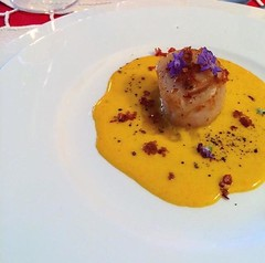 Scallops with saffron and scallop sauce, Crispy Pancetta (MatteoCooking) Tags: food foodlove love cooking chef youtube plating italy cuisine beautiful art pasta foodporn blogging youtuber foodyoutuber subscribe gourmet style life passion creativity backon scallops saffron