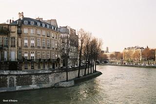 117 Quai d'Anjou from the pont de Sully CNV00017a