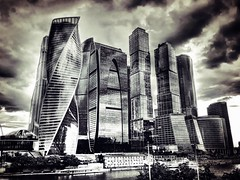Moscow City romantic iPhone picture )) (NO PHOTOGRAPHER) Tags: hochhaus gebäude cityscape skyline detail construction blackandwhite monochrome architecture architectural urban building outdoor iphoneography iphonephotography exterier russia moscowcity technoart sky clouds moscowphotography blue skycraper iphone 6s panorama panoramatic москва россия архитектура строительство река мост