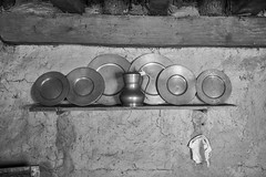 Plimoth Plantation 1 (jfl1066) Tags: plimothplantation mass plymouth blackandwhite stilllife plymouthma pilgrim plates interior pilgrimkitchen