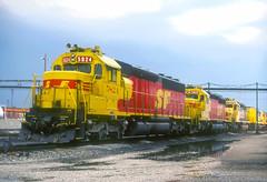 AT&SF SD45-2u 5824 (Chuck Zeiler) Tags: atsf sd452u 5824 railroad emd locomotive corwith chicago chuckzeiler chz